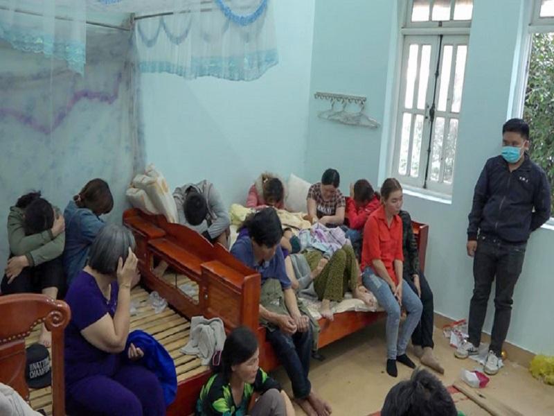 Sới bạc của 17 đối tượng tại Lâm Đồng bị bắt quả tang