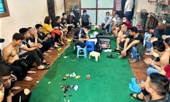 Bắt quả tang sòng bạc bằng hình thức xóc dĩa tại Hà Nội, tạm giữ hơn 20 đối tượng