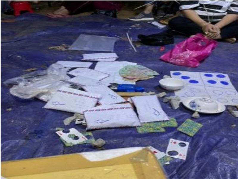 Công an tỉnh Kon Tum triệt phá sòng bạc tổ chức trong rừng cao su, tạm giữ 14 triệu đồng