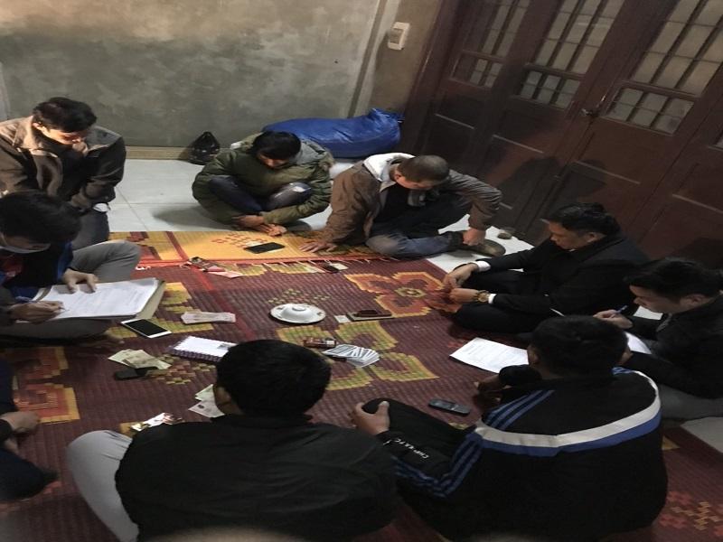 Đột nhập sới bạc tổ chức trong đêm tại Nam Định, bắt giữ 7 đối tượng